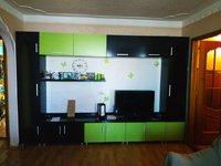 Продается 2-комнатная квартира с большой кухней-студией в центре!