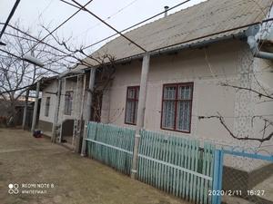 Продам дом с большим участком земли в Карагаше.